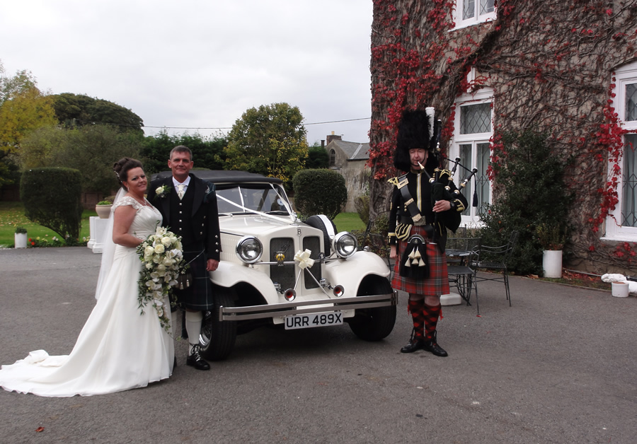 Piper with wedding Couple